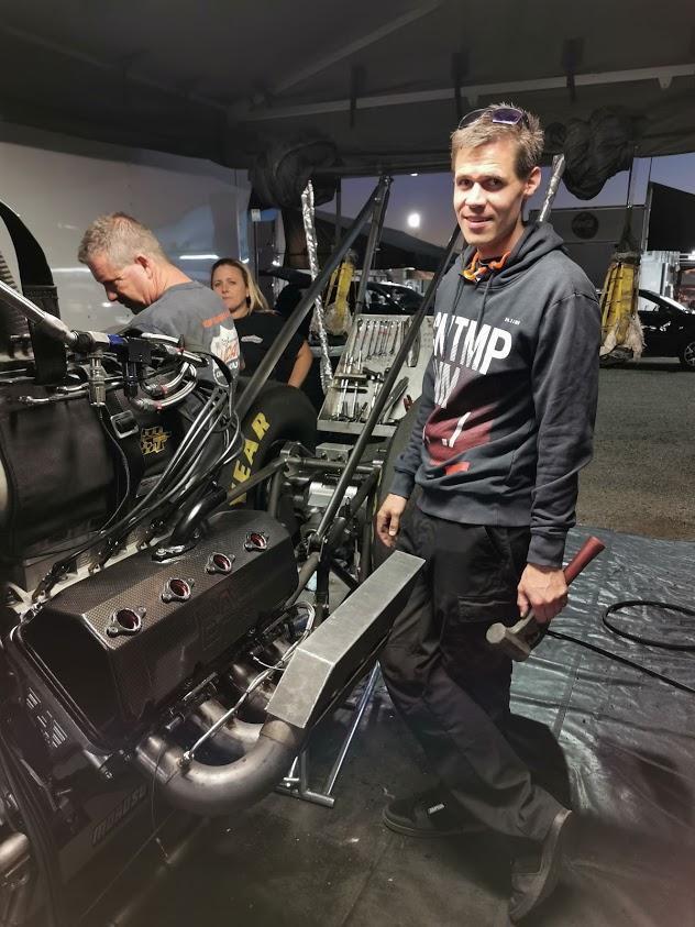 Jone skrur for Fred Hanssen (Norwegian Racing) i Dallas